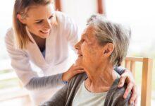 Photo of ¿Trabajar menos para cuidar a los adultos mayores?